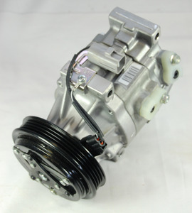 TOYOTA ECHO 1.5 2000-2005 A/C COMPRESSOR NEW (ORIGINAL EQUIPMENT)